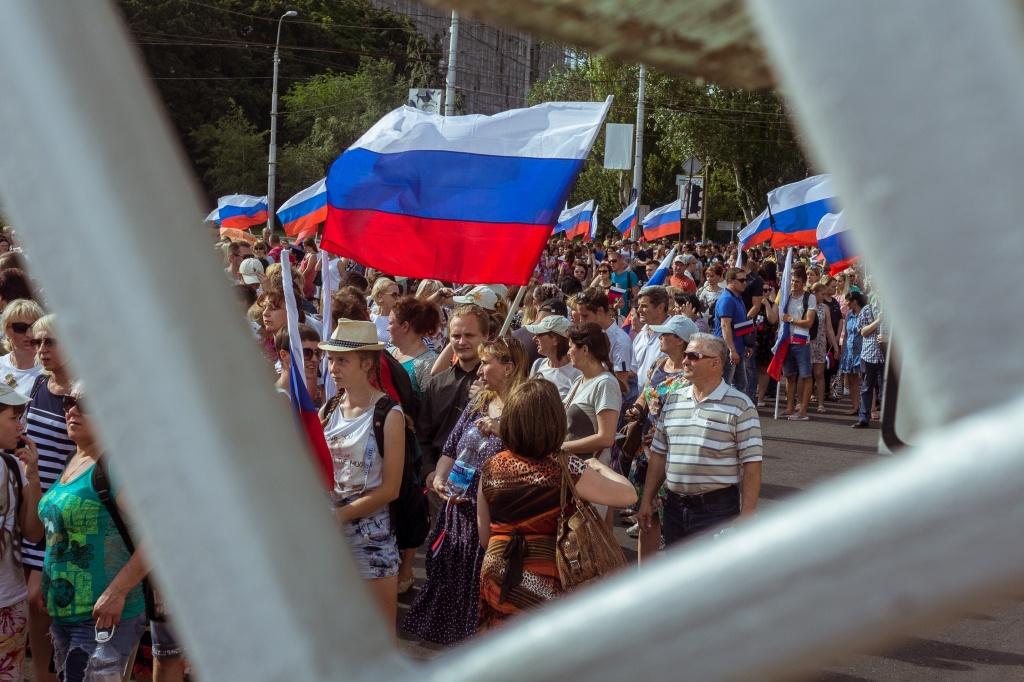 Плакат в донецке наш выбор россия